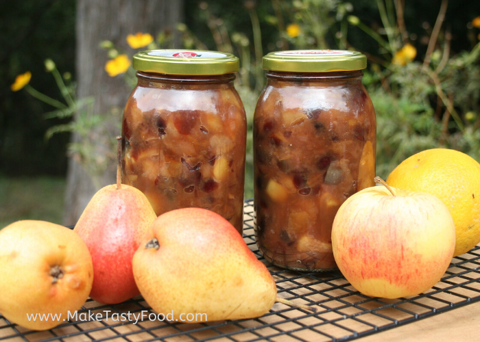pear and apple chutney bottled