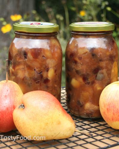 Tasty Homemade Pear Chutney