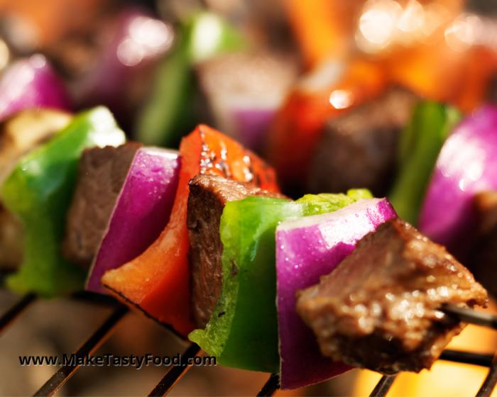 grilled beef and pepper sosaties or kebabs